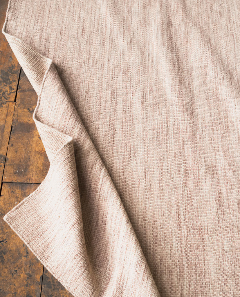 Finarte Norm wool rug in light red