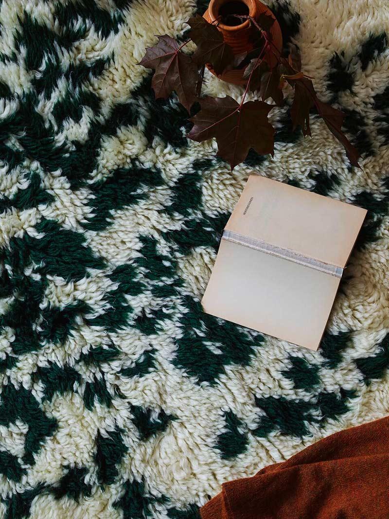 Finarte Suovilla wool rug in white