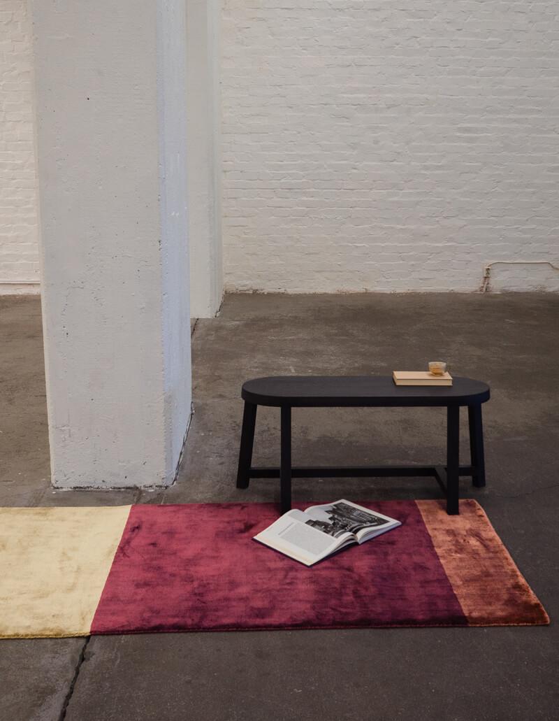 red viscose yarn rug by finarte